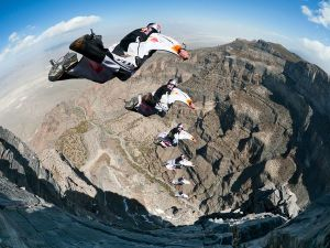 adventure-extreme-wingsuit-jump-air-force-team_33741_600x450