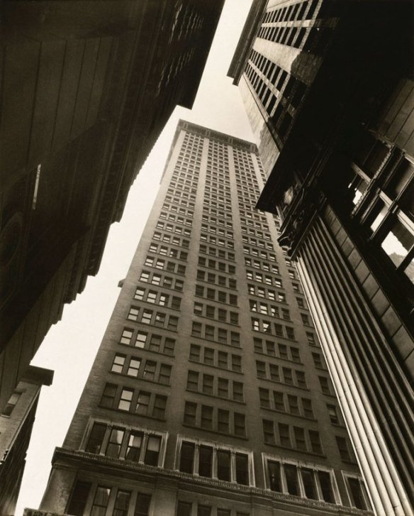 berenice-abbott-canyon-broadway-and-exchange-place-1936