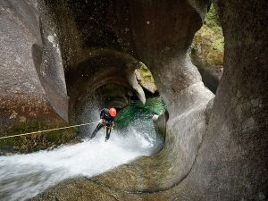 damien-briguet-monmouth-creek-vancouver_61110_600x450